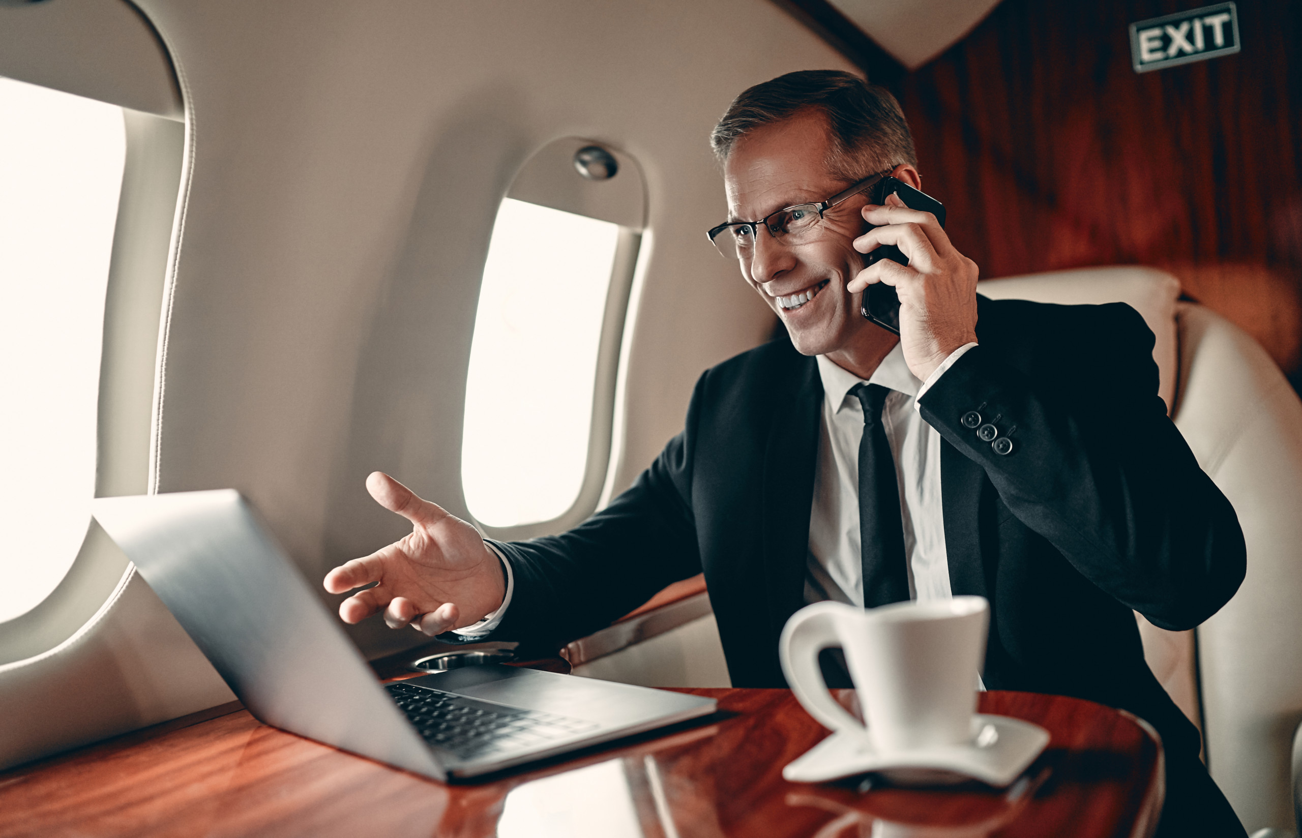 The Importance of Connectivity in an Aircraft Cabin and How to Use It