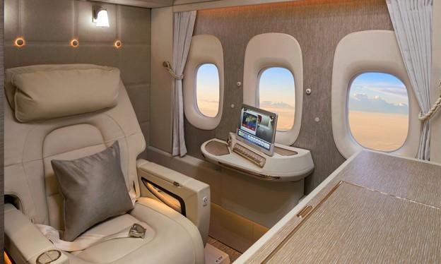 Virtual Windows featured in Emirates 777-300ER