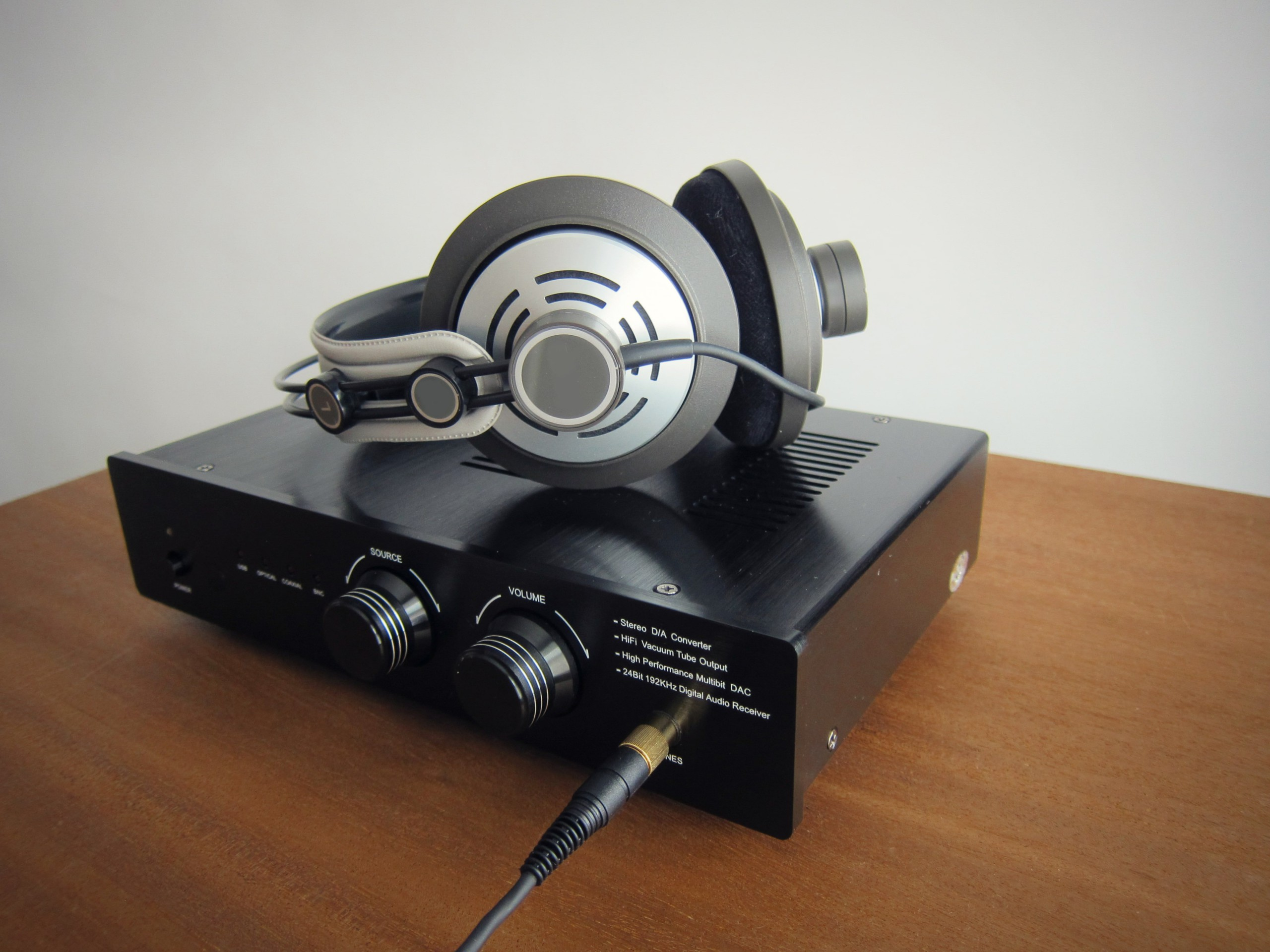 Headphone Distribution Amps and How They Improve Inflight Experience